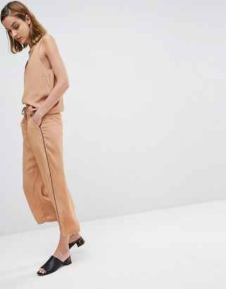 Moss Copenhagen Wide Leg Pants In Spot With Contrast Piping Two-Piece