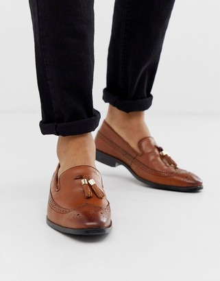 Asos Design DESIGN brogue loafers in tan leather with gold tassel detail