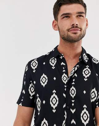 New Look revere collar shirt with geo-tribal print in black
