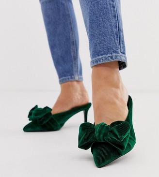 Asos Design DESIGN Wide Fit Wonder pointed mid-heeled bow mules in forest green velvet