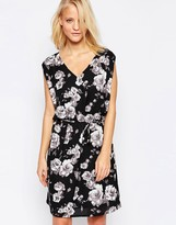 Minimum Belted Floral Dress