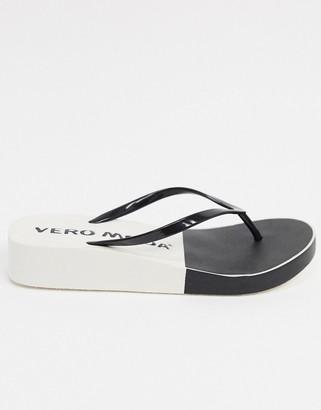 Vero Moda 2 tone flip flop in black and white