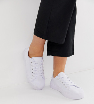 ASOS DESIGN Wide Fit Dusty lace up trainers in white