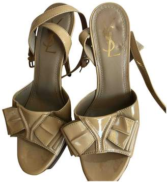 Saint Laurent Camel Patent leather Sandals