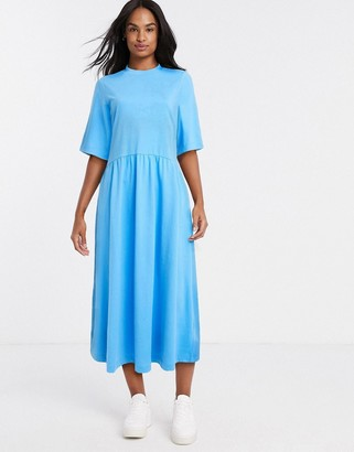Monki Agnete organic cotton jersey short sleeve trapeze dress in bright blue