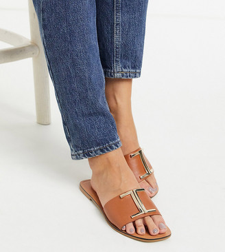 ASOS DESIGN Wide Fit Factor leather flat sandals in tan