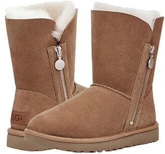 UGG Bailey Zip Short (Chestnut) Women's Shoes