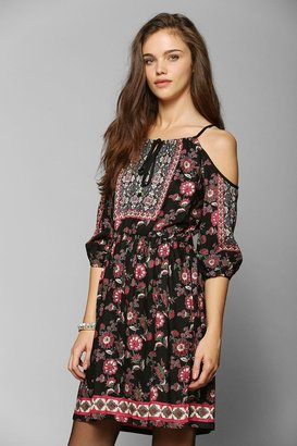 Urban Outfitters Staring At Stars 3/4-Sleeve Cold Shoulder Dress