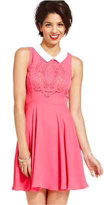 Monroe Marilyn Juniors Dress, Sleeveless Embroidered A-Line