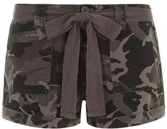 Dorothy Perkins Camoflauge print casual shorts