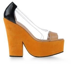 Carven Pumps with open toe