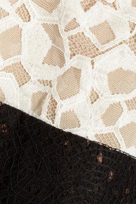 Vera Wang Embroidered lace dress