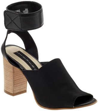 Steve Madden Steven by Mable