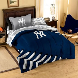 New York Yankees Contrast Series Complete Bed Ensemble