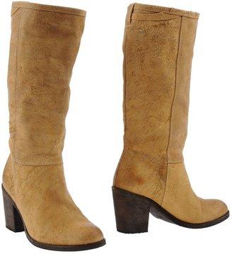 Humanoid High-heeled boots