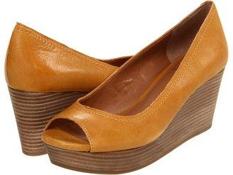 Lucky Brand Issy2 (Sudan Brown) - Footwear