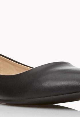 Forever 21 Classic Pointed Flats