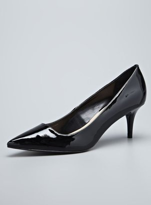 Tahari Harper Leather Mid Heel Pointy Toe Pump
