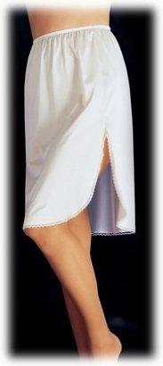 Vanity Fair Women's Full Figure 360° Half Slip 11860 $10.28 thestylecure.com