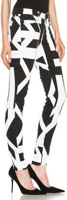 J Brand Mid-Rise Super Skinny Jean in Cantilever Print