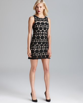 Alice + Olivia Sleeveless Shift Dress - Dot