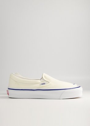 Vault by Vans Women's Classic Slip-On LX Sneaker in Classic White, Size 10 | Leather