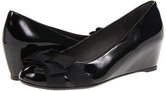 Stuart Weitzman Inbowa (Black Patent) - Footwear