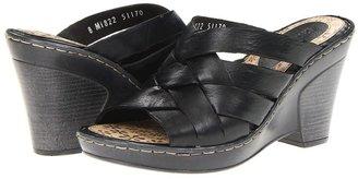 Lassen Louann (Black) - Footwear