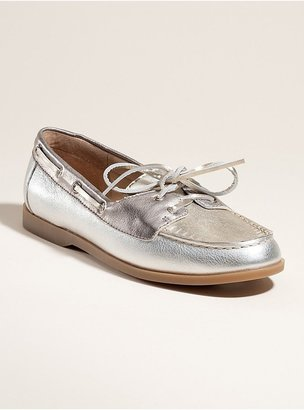 GUESS Neomas Boat Shoes
