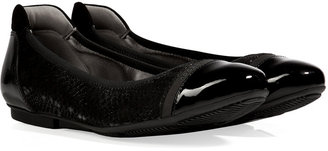 Hogan Embossed Leather Flats in Nero