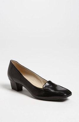 Naturalizer 'Fuller' Pump