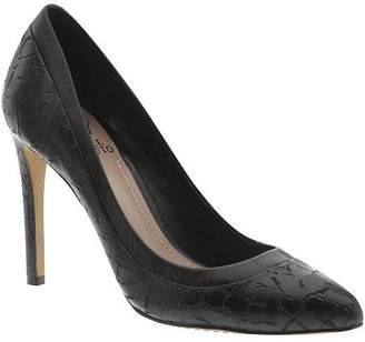 Vince Camuto Norrow