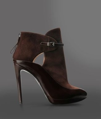 Giorgio Armani Leather Ankle Boot With Zipper