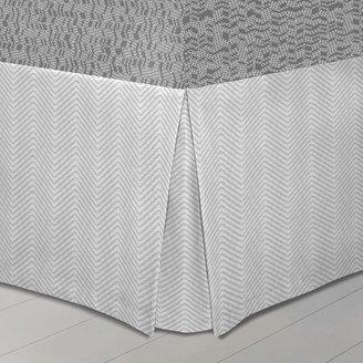Apt. 9 static bedskirt