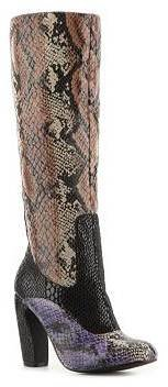 Two Lips Show Boot