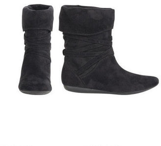 Delia's r2 Divan Ankle Boot