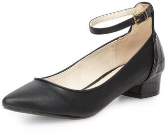 Dorothy Perkins Black low pointed court