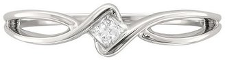 1/10 CT.T.W. Princess-Cut Diamond Promise Ring in 10K White Gold (H-I, I1-I2)