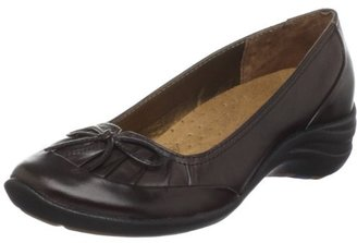 Hush Puppies Women's Amorous Pleated Pump