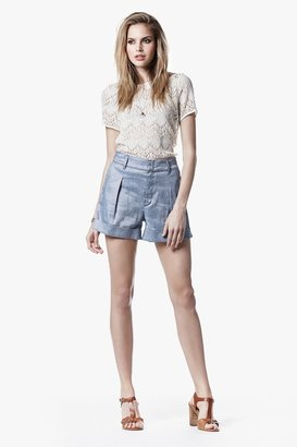7 For All Mankind Pleated Cuff Short In Light Blue Chambray