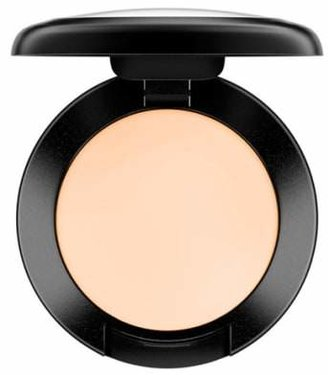 MAC Cosmetics MAC Studio Finish SPF 35 Concealer