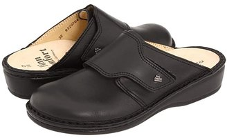 Finn Comfort Aussee - 82526 (Black Leather Soft Footbed) Women's Clog Shoes