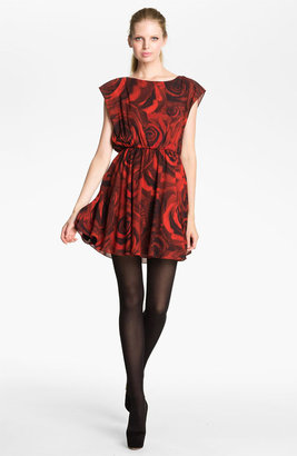 Alice + Olivia 'Corwin' Rose Print Blouson Dress