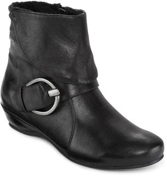 JCPenney Yuu Swell Buckle Booties