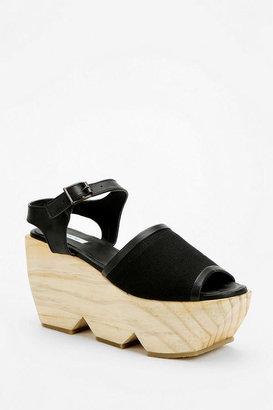 Kimchi & Blue Kimchi Blue Wooden Cutout Platform Sandal