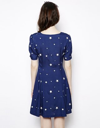 Nishe Sweetheart Dress In Star Print