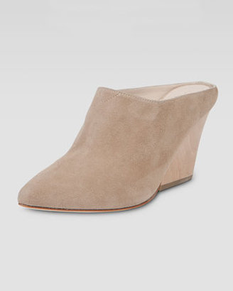 Elizabeth and James Evie Pointed-Toe Wedge Mule