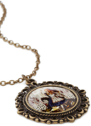 Alice in Necklace