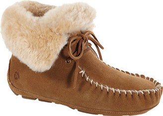 Women's Acorn Sheepskin Moxie Boot $139.95 thestylecure.com