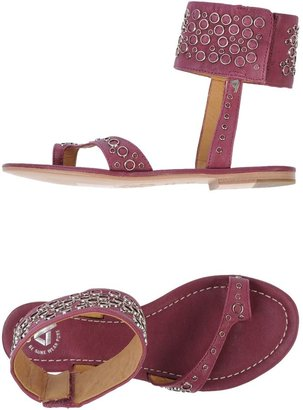 CYCLE Thong sandals $159 thestylecure.com